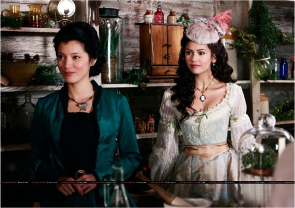 File:Katherine and Pearl in the apothecary.png