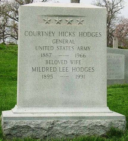 File:Courtney Hodges Grave Sight.jpg