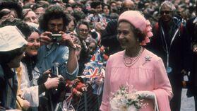 1977-06-07 Queen 25