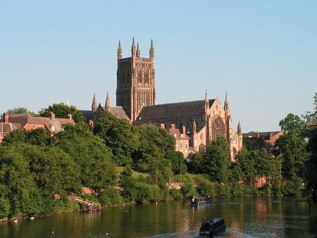 File:Worcester Cathedral.jpg