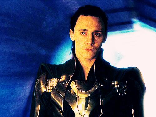 File:Loki-loki-thor-2011-25789201-500-375.jpg