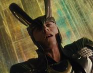 Loki-loki-thor-2011-25199600-500-394