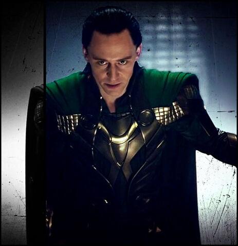 File:Loki-loki-thor-2011-25517423-500-518.jpg
