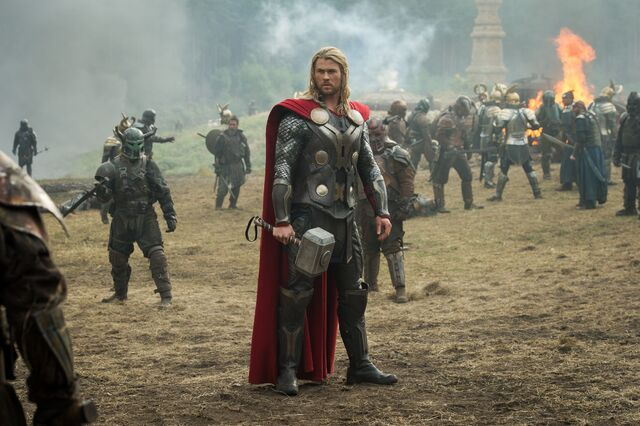 File:Thor-2-The-Dark-World-Official-Photo-fighting-Marauders.jpg