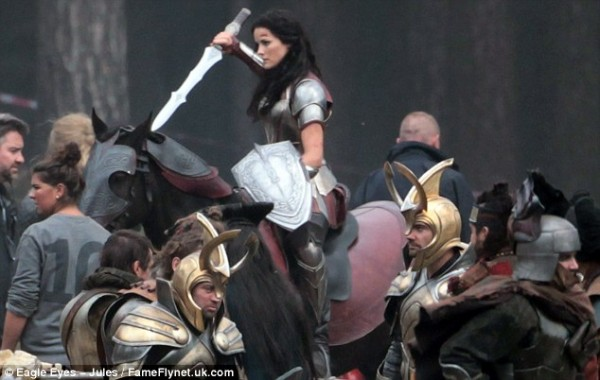 File:Jaimie-alexander-thor-the-dark-world-set-photo.jpg