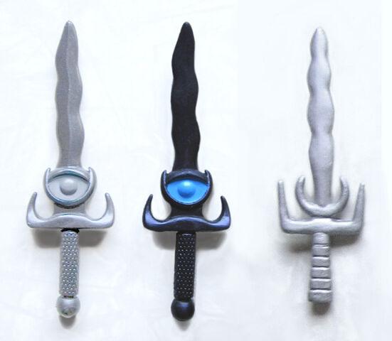 File:Ratar-O Dagger Variations.jpg