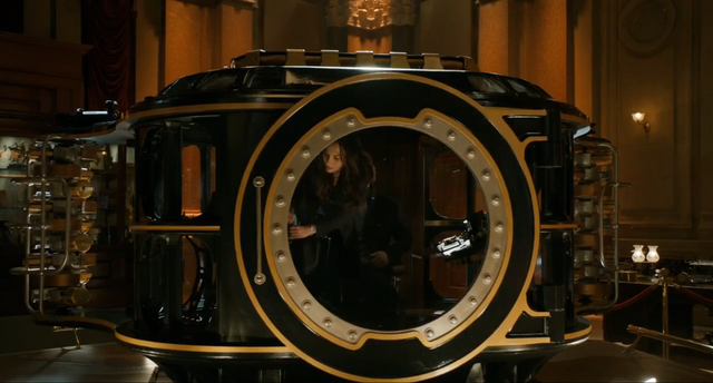 File:HG Wells' time machine.png