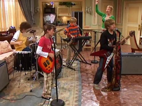 File:Band In Boston (Screenshot 1).png