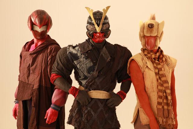 File:The Onbake heroes Sawamori crayfish, Taihei Kabuto helmet, and Tomosuke dog.jpg
