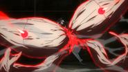 Kureo taking out Ryouko's Kagune