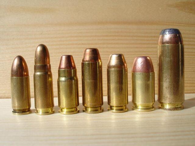 File:9mm 7.62x25 357sig 10mm 45SW 45GAP 50AE 002.jpg