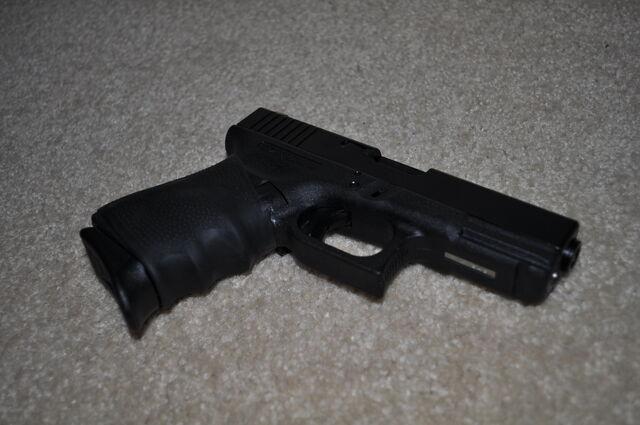 File:Glock 19 a.JPG
