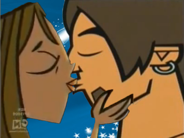 File:Courtney and Alejandro.png