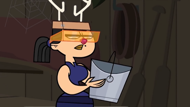 File:Eva holding a bucket.PNG
