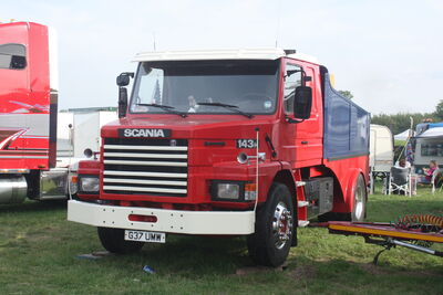 Scania 143h - G37 UMW Showmans tractor unit at Pickering 09 - IMG 3564