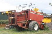 Hesston 4900 baler - IMG 9125