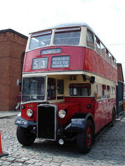 Crossley DD42bus