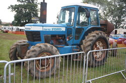 Ford TW10 4wd tractor