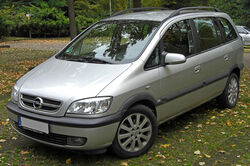 Opel Zafira A Facelift front 20091022