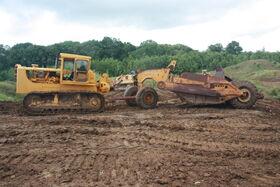 Cat D8H scraper at EM wd 2011 - IMG 0529