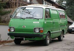 Toyota Hiace (second generation) D front