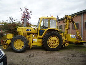 Ford Road rail hedge cutter tractor - PA040110