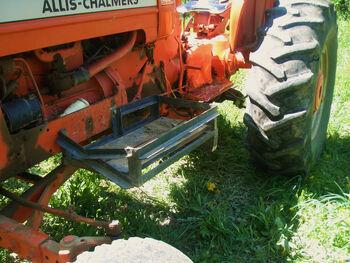 Allis-Chalmers D17 stone box