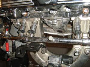 Jeep 2.5 liter 4-cylinder engine chromed i