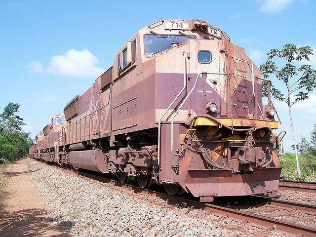 File:Foreign SD70M units.jpg