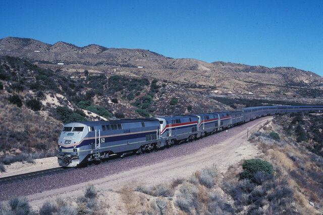 File:Amtrak train.jpg