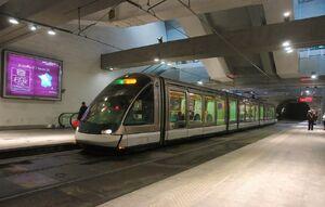 Gare Centrale lijnD Eurotram.JPG