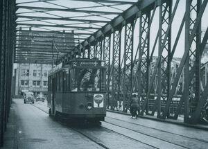 037 - Lijn 12 Willemsbrug