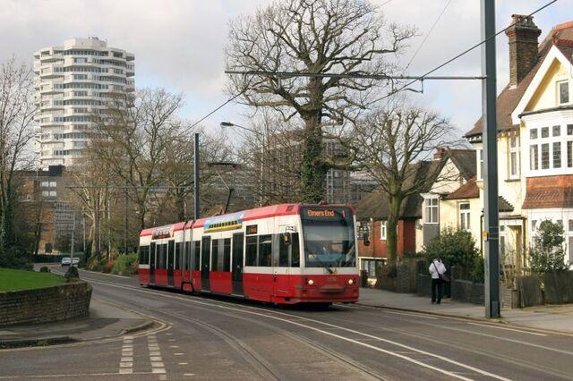 File:Croydon Tramlink Addiscombe Road.jpg