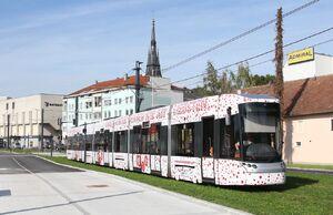 Traun Hauptplatz lijn4 Cityrunner.jpg