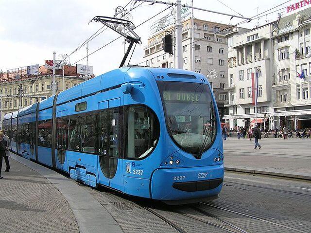 File:800px-Zagreb tram (21).jpg