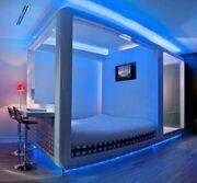 Futuristic-bedroom-decorating-ideas-587x543