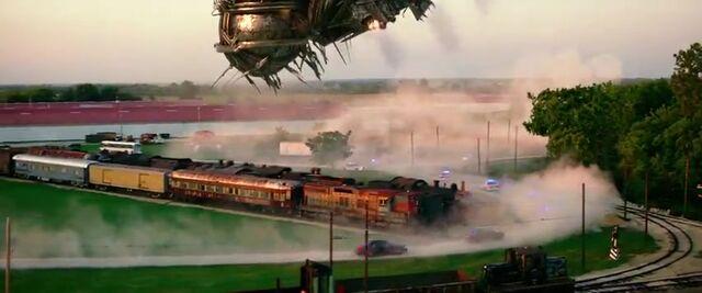 File:Transformers AOE 6711.jpg