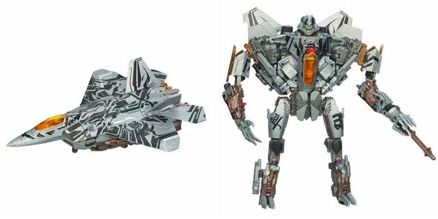 File:Tf(2010)-starscream-toy-leader.jpg