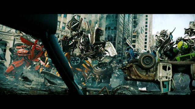 File:Dotm-barricade-film-autobots.jpg