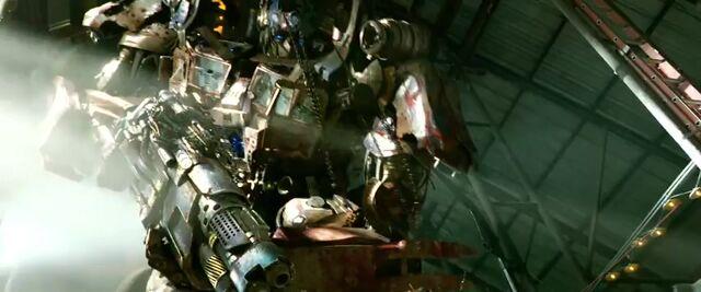 File:Transformers AOE 1726.jpg
