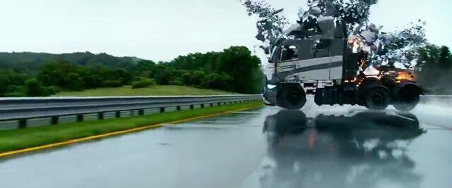 File:Transformers AOE 4586.jpg