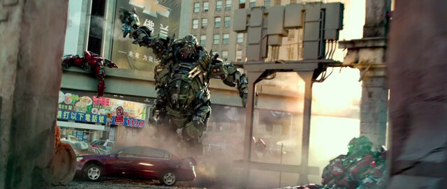 File:Transformers-4-age-of-extinction-still-hound.jpg