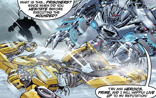 File:Dotm-bumblebee&soundwave-comic-titanmags-1.jpg