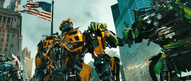 File:Dotm-autobots-film-chicago.jpg