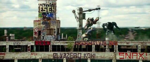 File:Transformers AOE 2610.jpg