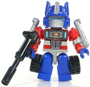 Kreo-optimusprime-kreon-toy-botcon2011