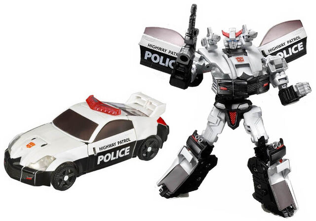 File:Universe 2008 Prowl toy.jpg