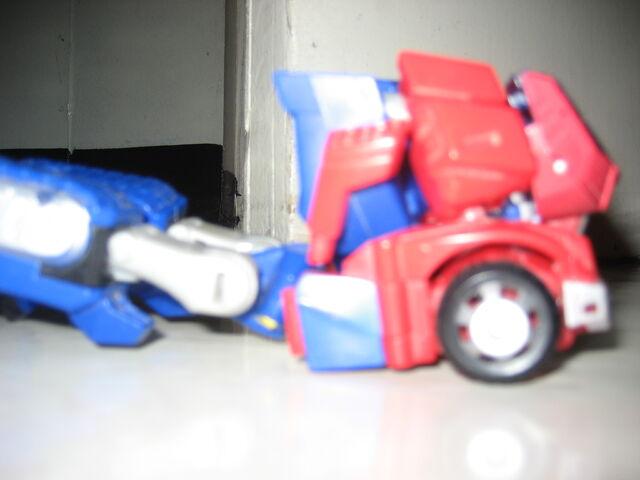 File:Optimus Prime Animated 2012 004.JPG