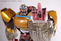 Rid-optimusprimal-toy-supreme-1-finger