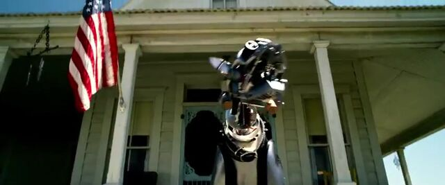 File:Transformers AOE 0479.jpg